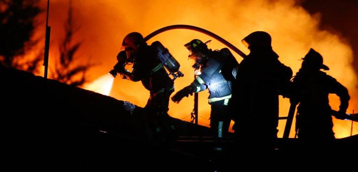 Niño de 12 años muere en incendio de su vivienda en Renca