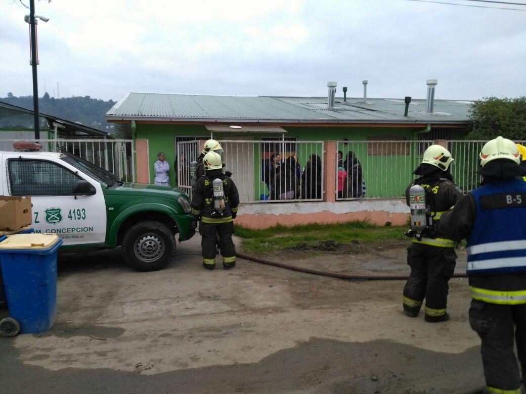 Bomberos investigan posible fuga de gas en jardín infantil de Nonguén