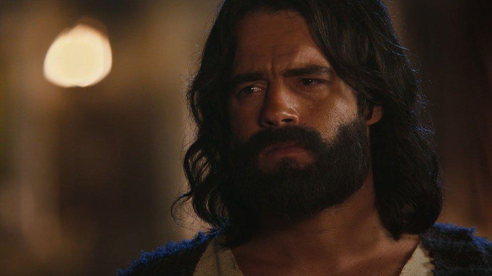 Moisés enfrenta a Ramsés luego que muriera su primogénito
