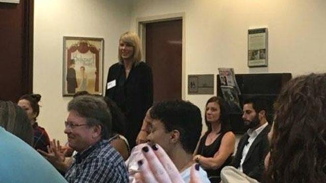 Taylor Swift como jurado en un caso en Nashville