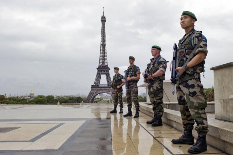 Homenaje de soldados franceses a las víctimas del 9/11