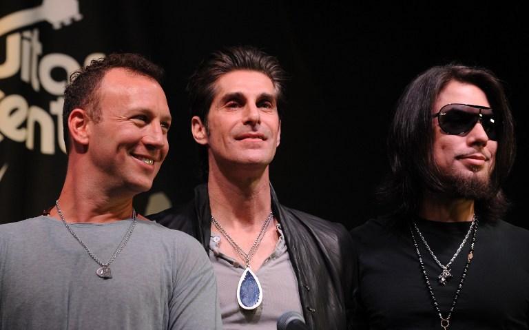 Stephen Perkins, Perry Farrell y Dave Navarro, miembros de Jane