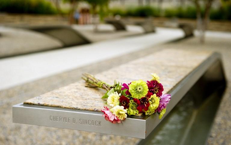 Flores póstumas para las víctimas del 9/11