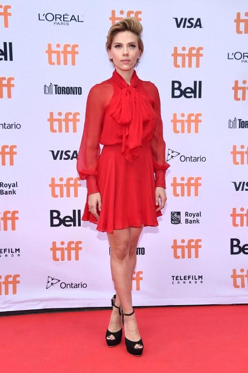 Scarlett Johansson cultiva un estilo más serio