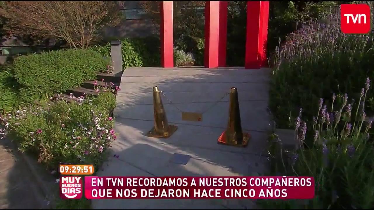 TVN homenajea a víctimas de accidente en Juan Fernández con minuto de silencio en pantalla