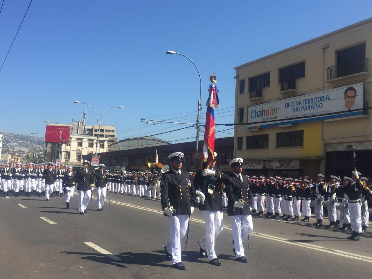 Tradicional parada militar porteña es declarada patrimonio cultural inmaterial de Valparaíso