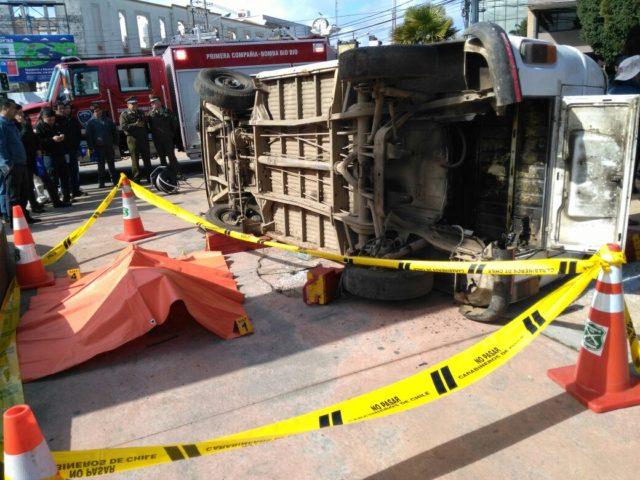 Simulan accidente en plaza de Los Ángeles para educar sobre conducción y consumo de alcohol
