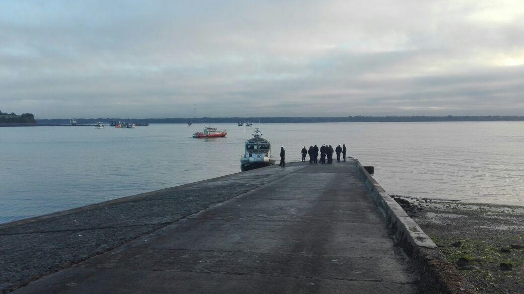 Pescadores artesanales comienzan a llegar a rampa de Chacao para protestar contra ley Longueira