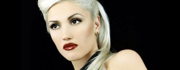Gwen STefani tiene como sello los labios rojos