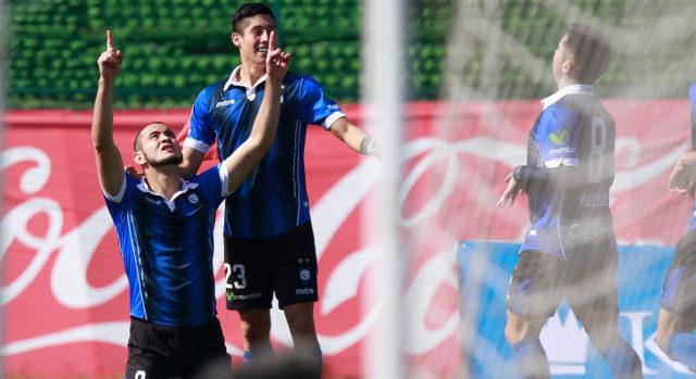 González celebra un gol ante Palestino en el Apertura 2016/17