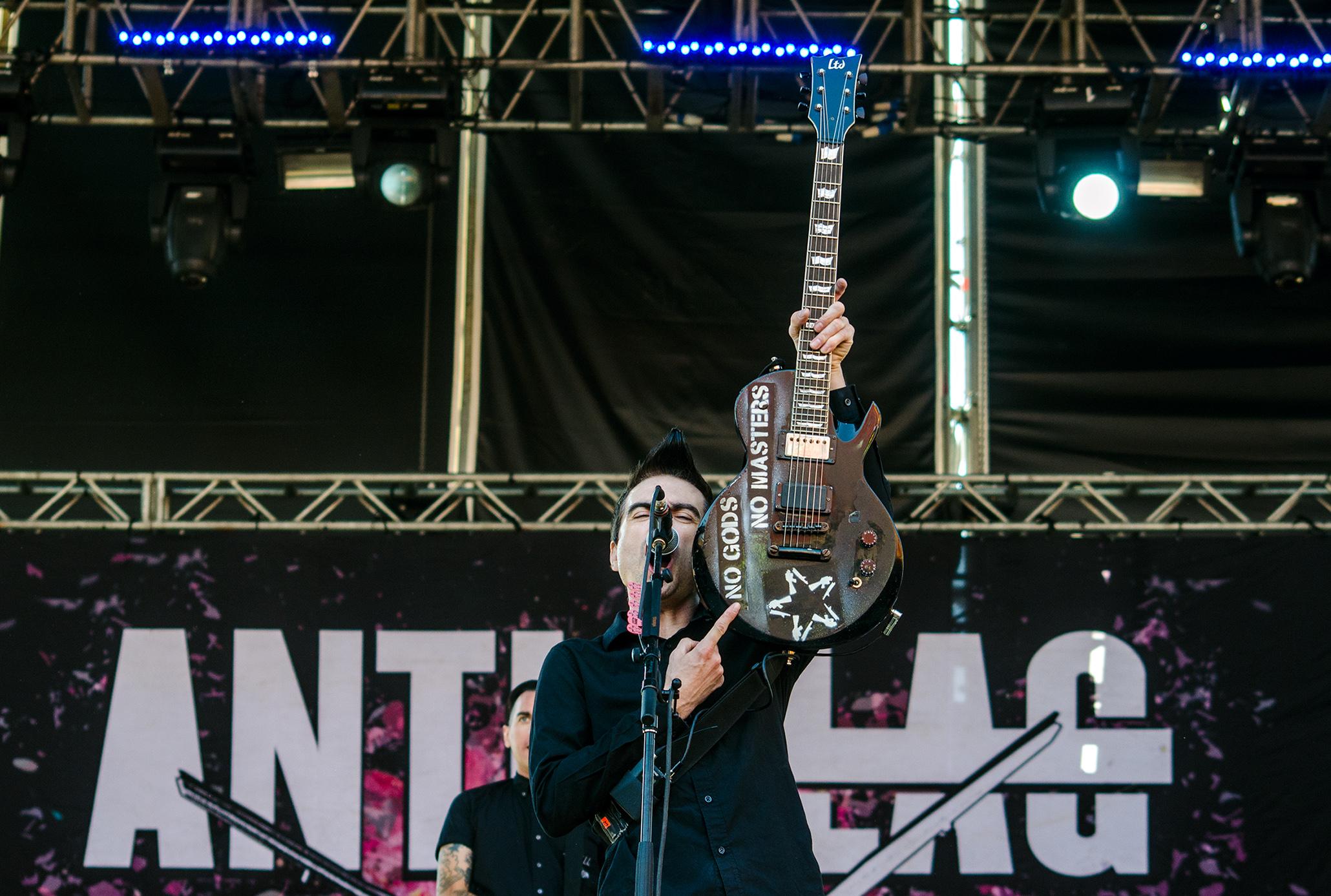 Anti-Flag en Rockout