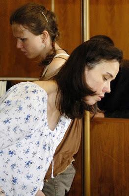 Klara y Katerina Mauerová camino a su juicio