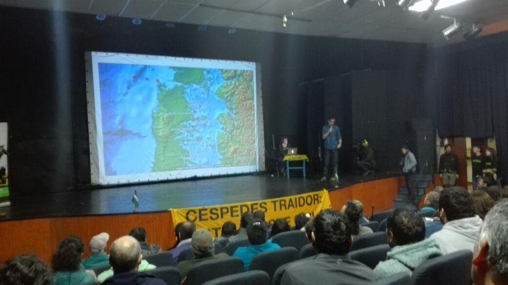 Presentación del informe de Greenpeace por marea roja