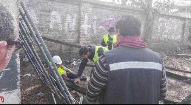 Lesionados son rescatados tras caer de galpón en Quilpué