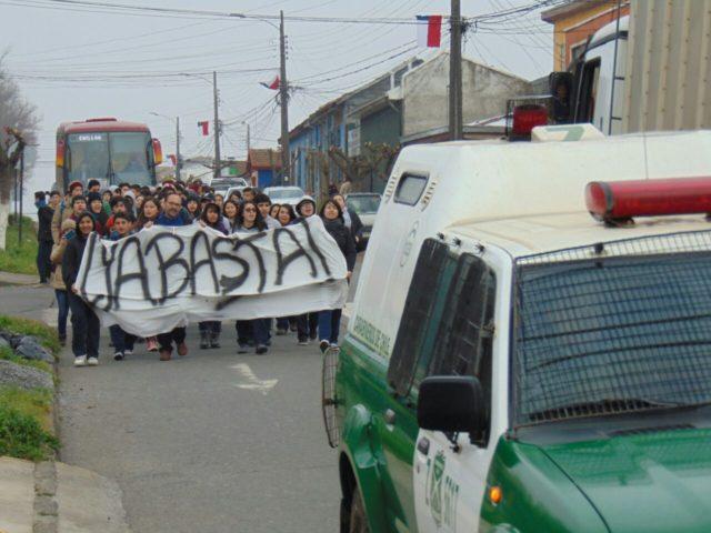 Alumnos del Liceo A-17 de la comuna de Yungay marcharon en reclamo por las condiciones en las que se encuentra el establecimiento