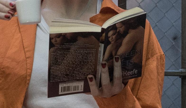 La sexy novela romántica que lee Harley Quinn en Suicide Squad