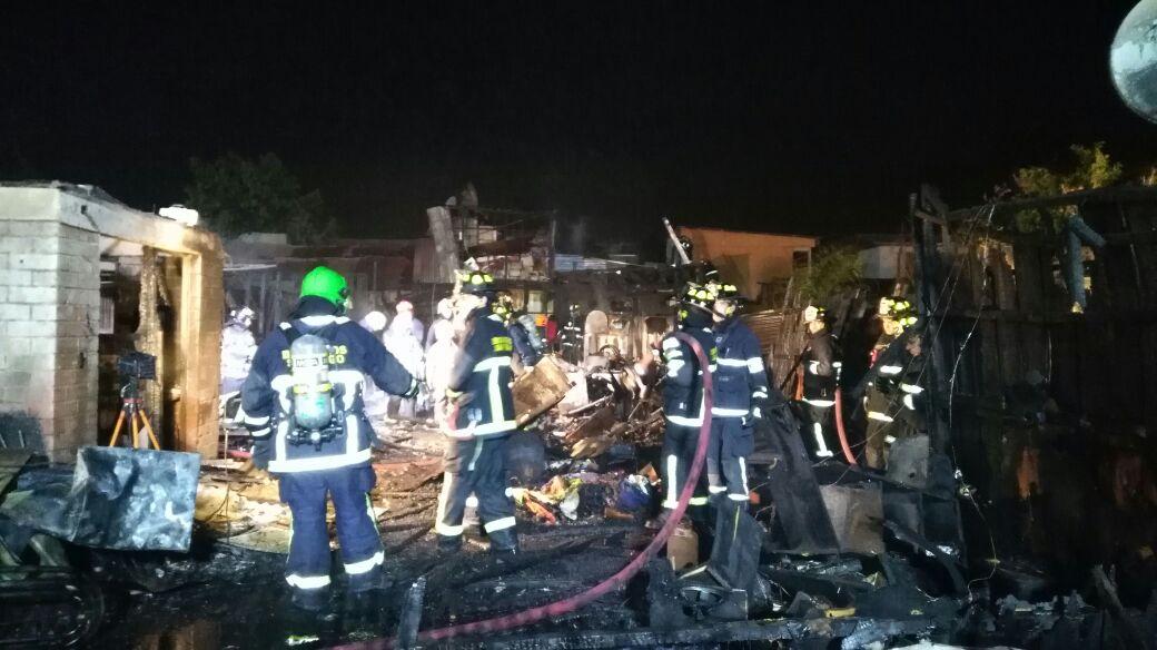 El incendio dañó a seis viviendas y dejó a dos personas con diversas lesiones