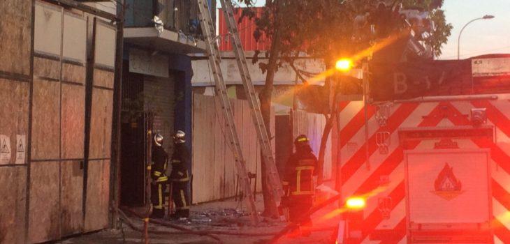 Incendio en local de comida china deja un muerto en Santiago