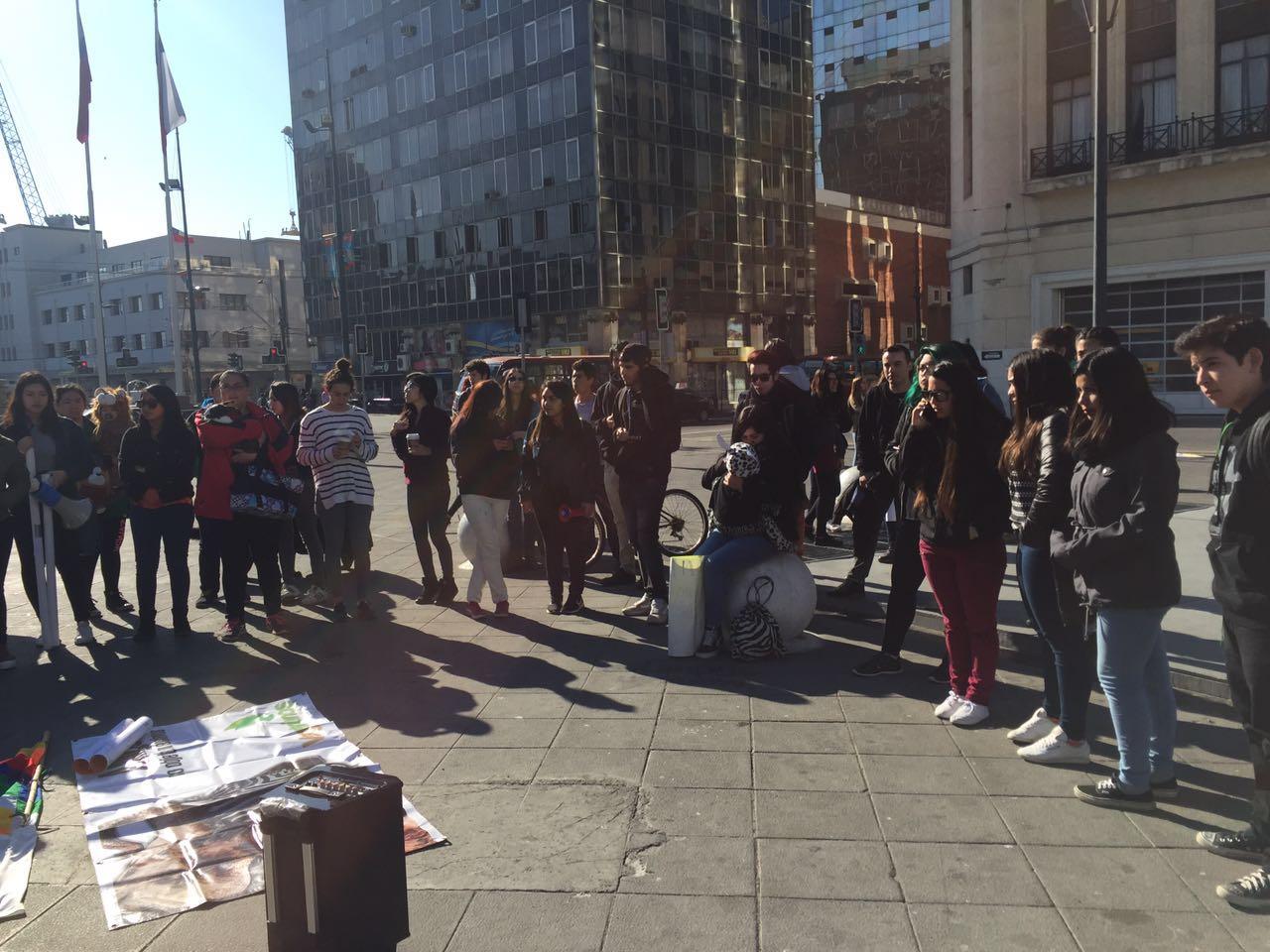 Manifestantes se congregan en Valparaíso para mostrar su rechazo al rodeo