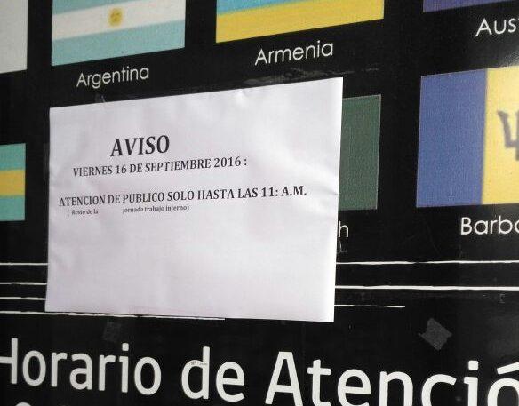 Letrero en oficina de Extranjería