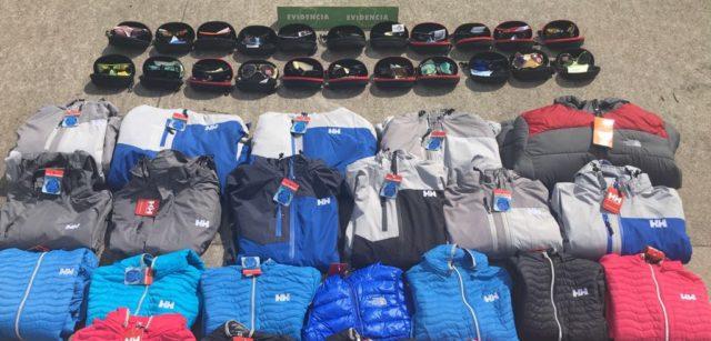 Dos detenidos en La Araucanía por venta de ropa: Investigan si son falsas o robadas