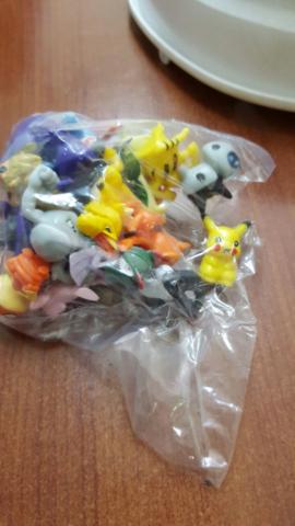 Bolsas contenían cientos de figuras falsificadas de las figuras de la conocida serie Pokémon