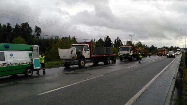 Triple colisión por alcance entre camiones en ruta 5 sur a la altura de Temuco