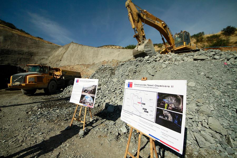 Presidenta recorre obras del túnel Chamisero II