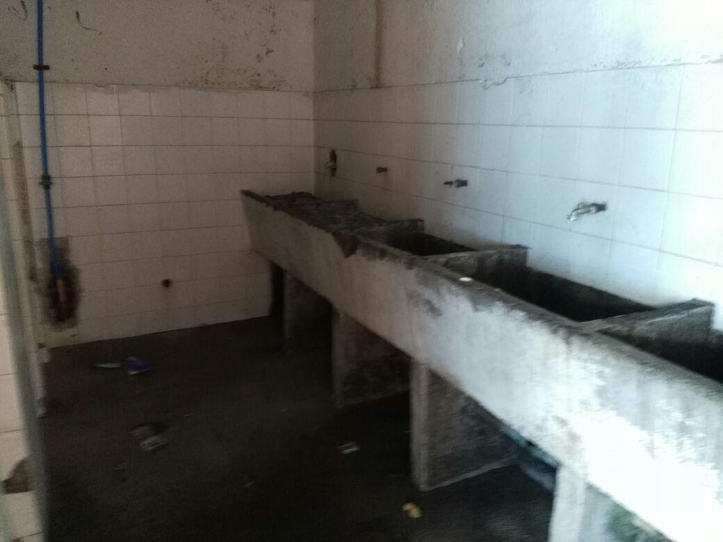 Mal estado de los actuales baños del penal