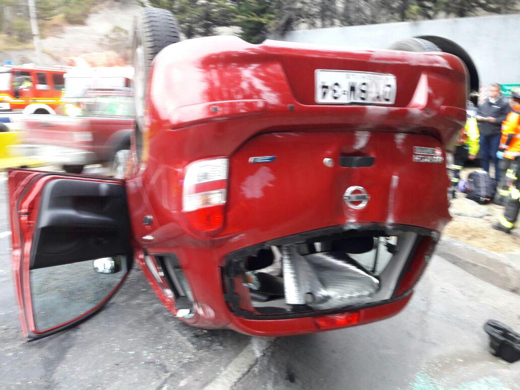 Vehículo volcado tras colisión den Ruta Las Palmas