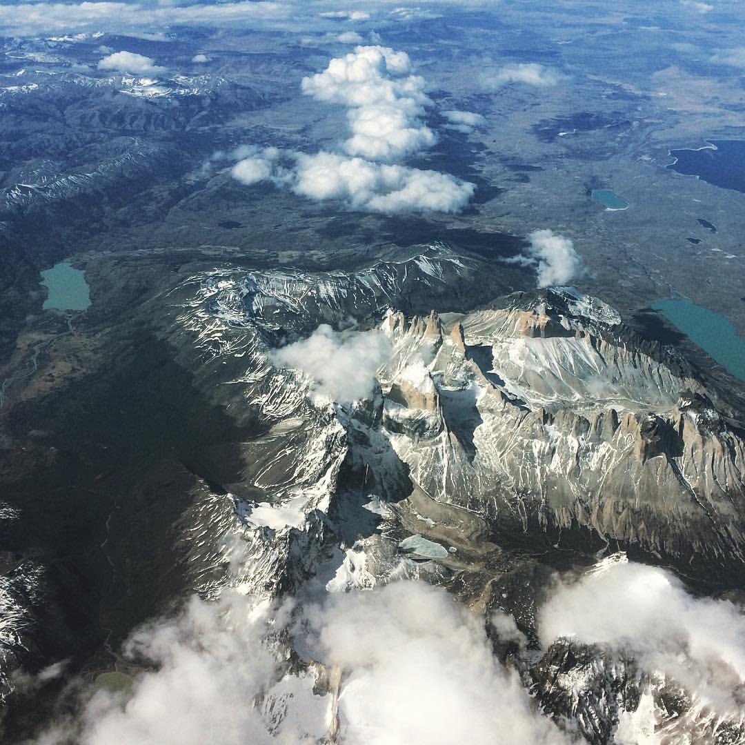 Vista área de los Cuernos del Paine.