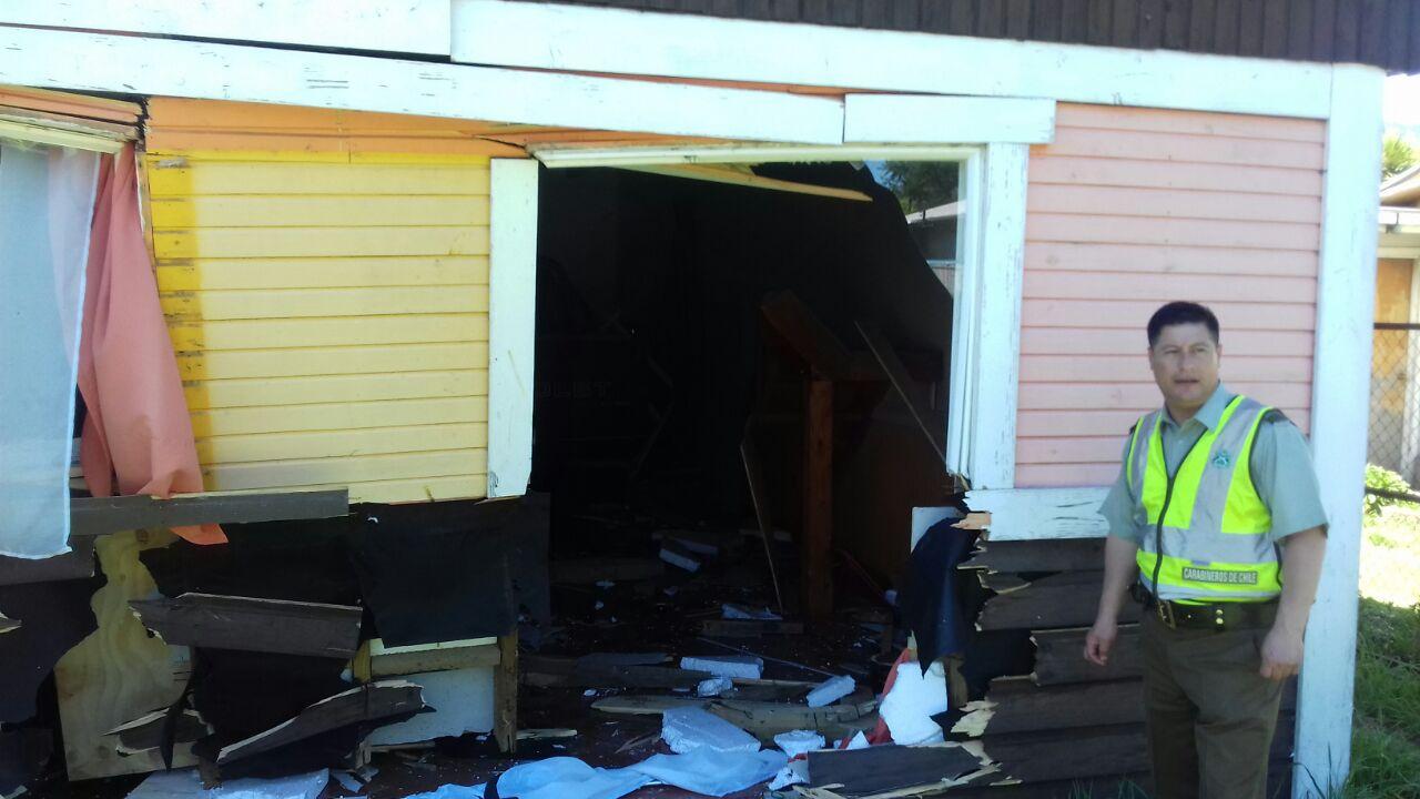 La Araucanía: conductora impactó una sede social en Villa García dejando daños de consideración