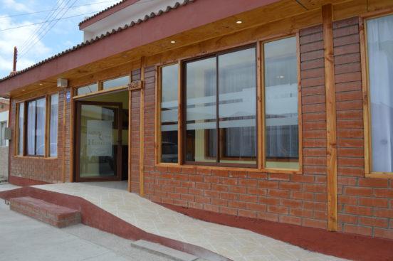 Nuevas instalaciones del Hotel Aqua Luna de Chañaral, a un años de los aluviones.