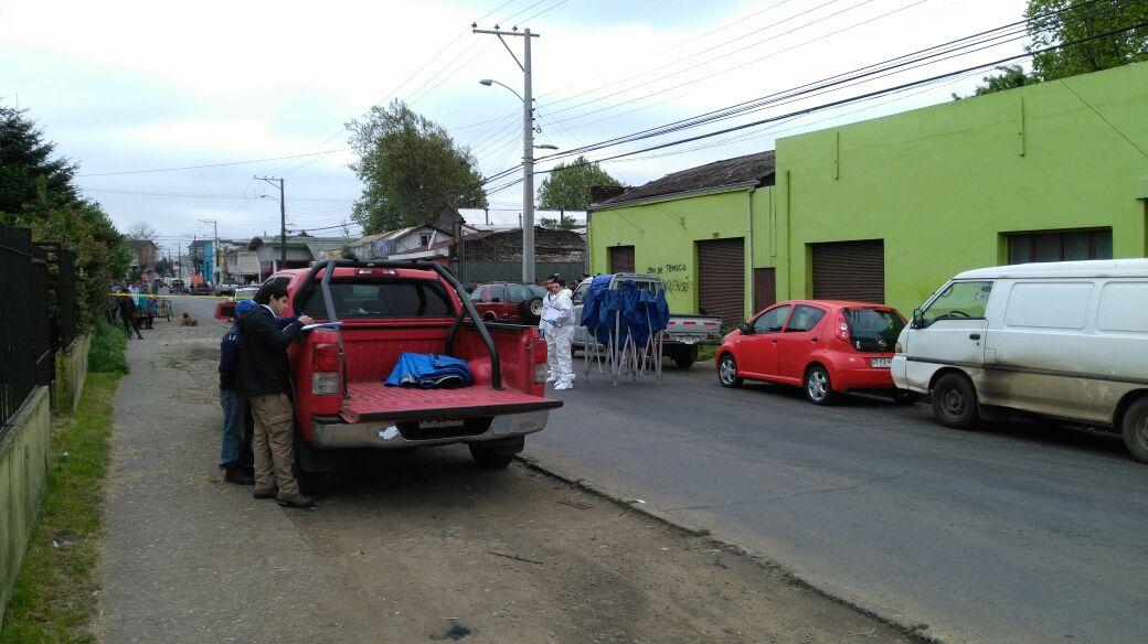 Hombre de 70 años es encontrado muerto al interior de su vehículo en Temuco