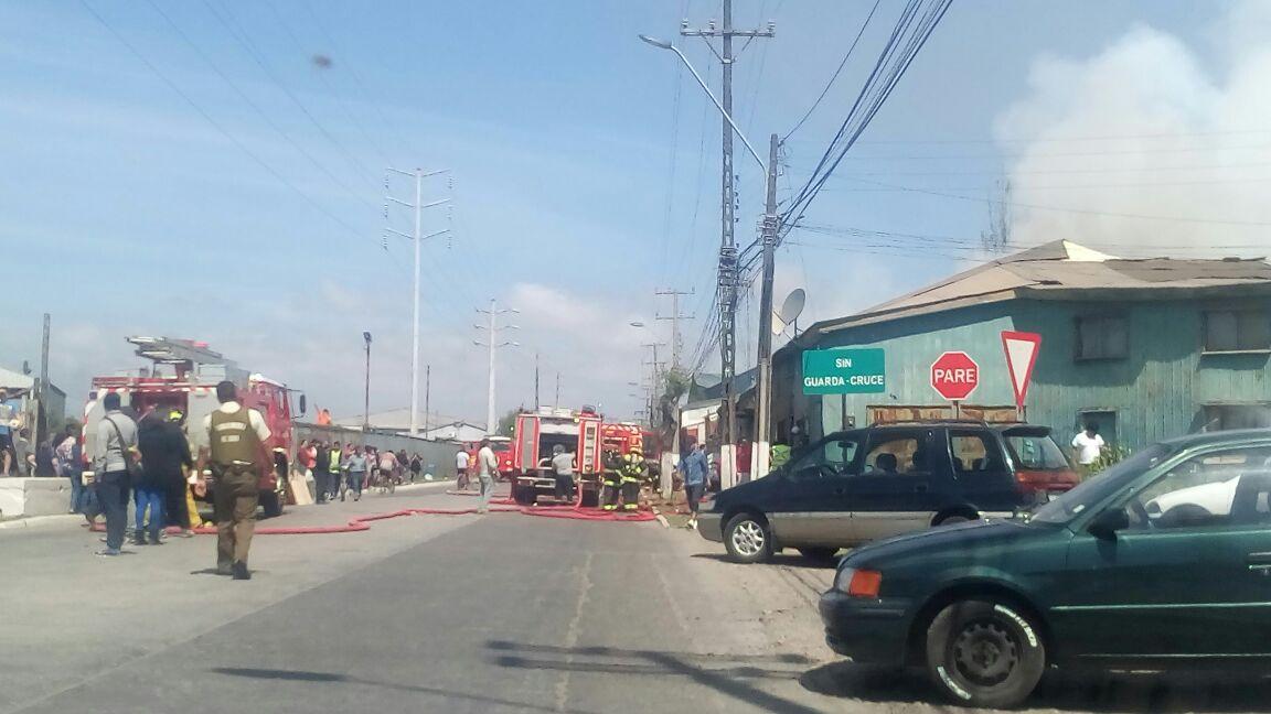 Incendio de viviendas en Arenal de Talcahuano