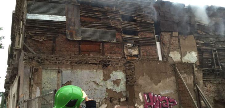 Incendio afectó a cités dejando cerca de 140 damnificados en Santiago Centro
