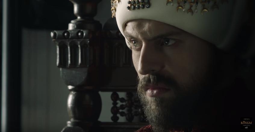 Orkun de Medcezir luce irreconocible en su nueva serie turca