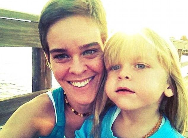 Madre que mató a su hijo con dosis letal de sal enfermó a otros 3 niños que cuidaba