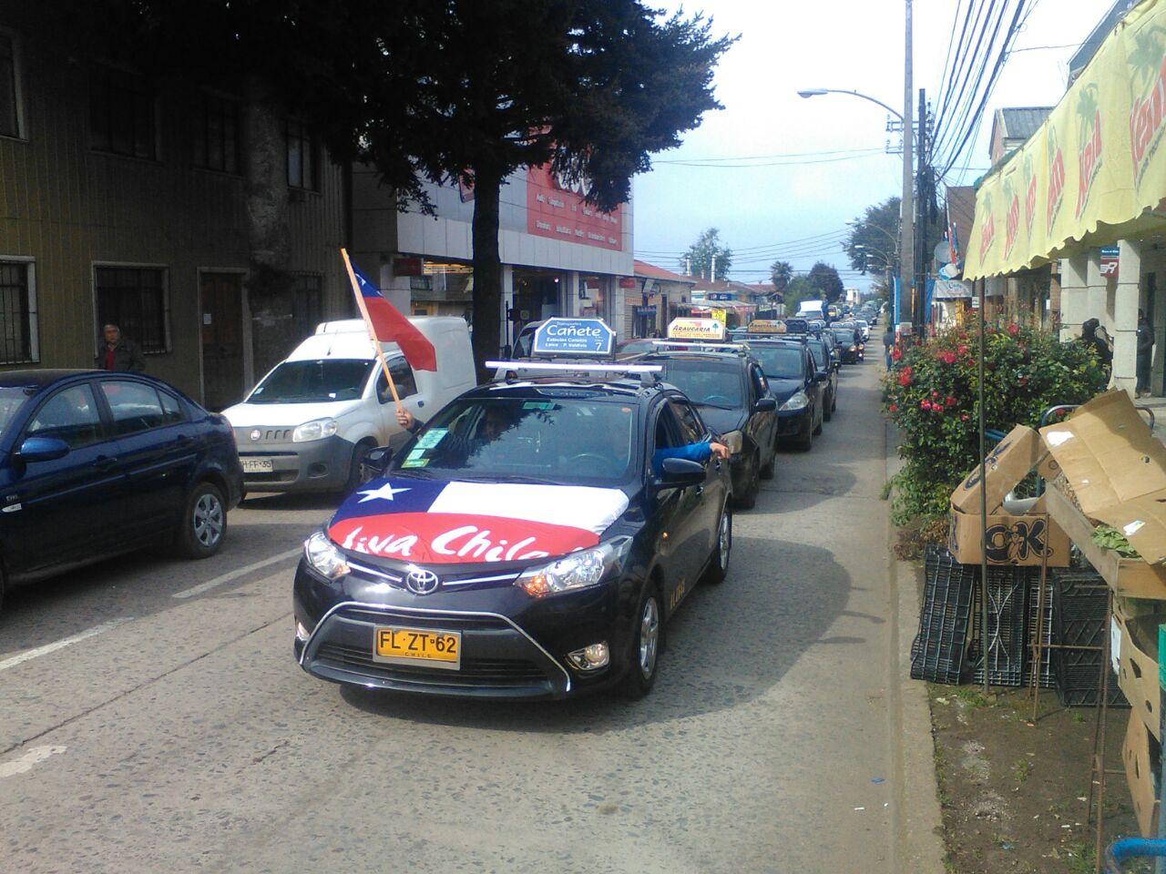 Manifestación de conductores de taxis colectivos en Cañete