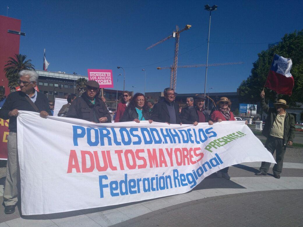 Manifestación adultos mayores y discapacitados