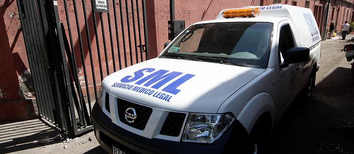 Camioneta del Servicio Médico Legal.