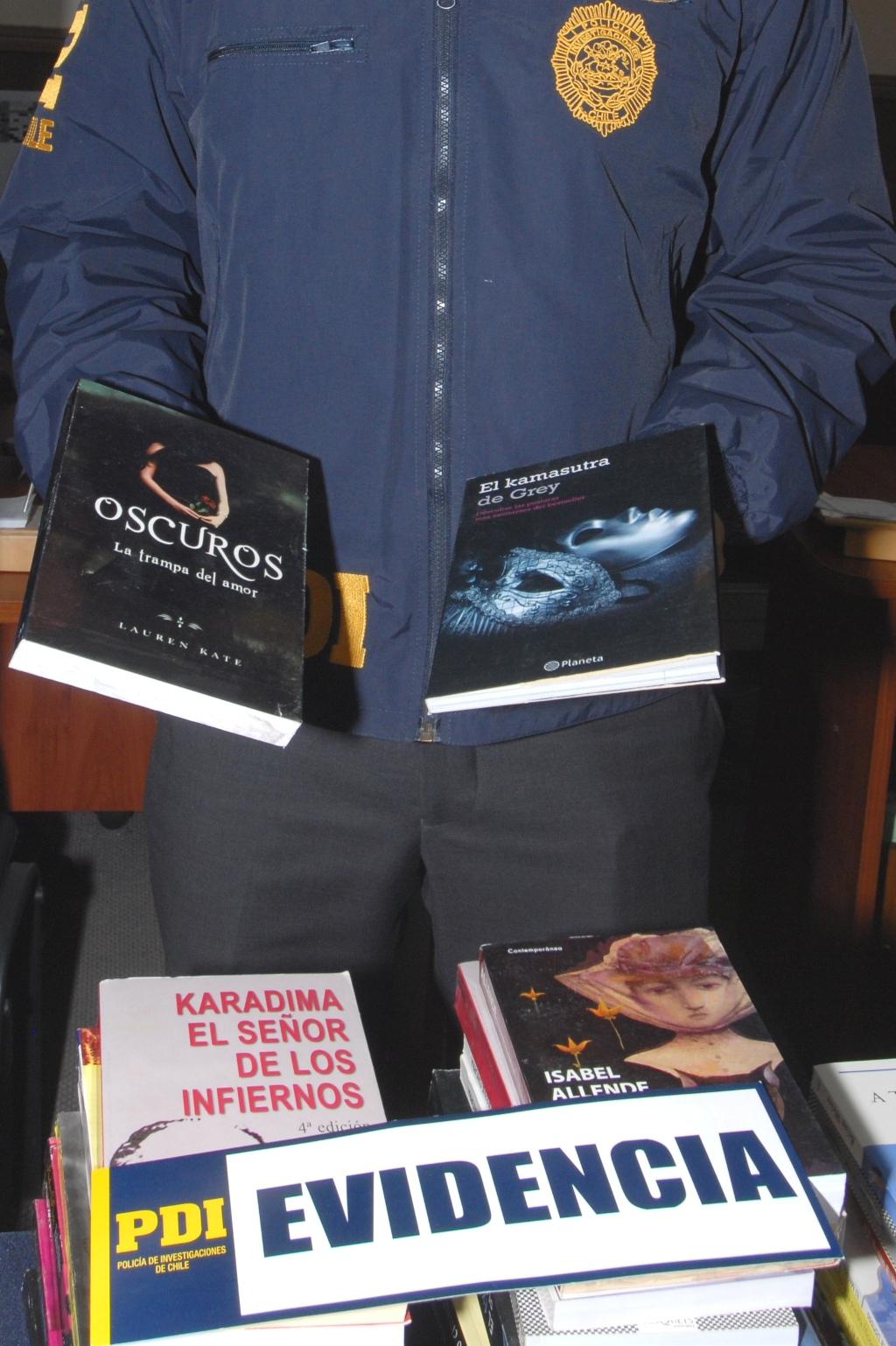 Incautan 140 libros falsificados en Mulchén: 50 Sombras de Grey y Harry Potter entre los títulos adulterados