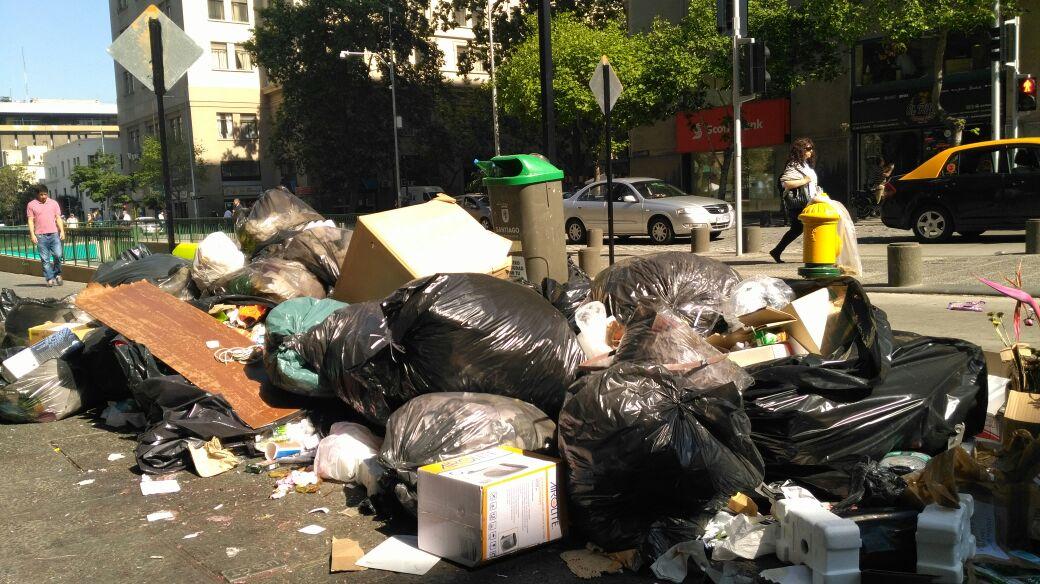 Problemas en la recolección de basura por el paro de los funcionarios públicos.