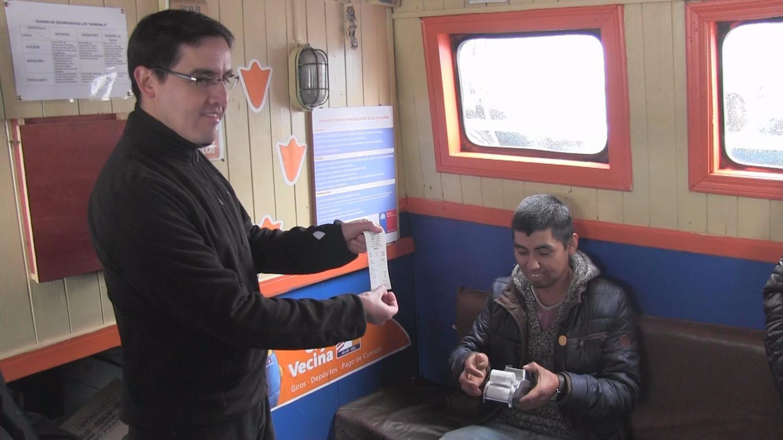 Chiloé: BancoEstado habilitará lanchas para que habitantes de zonas apartadas realicen trámites