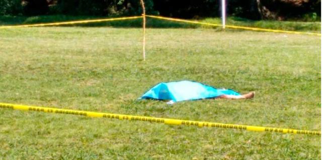 Un árbitro murió tras recibir cabezazo en partido amateur en México