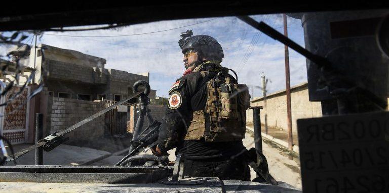 Soldados iraquíes durante combates en Mosul.