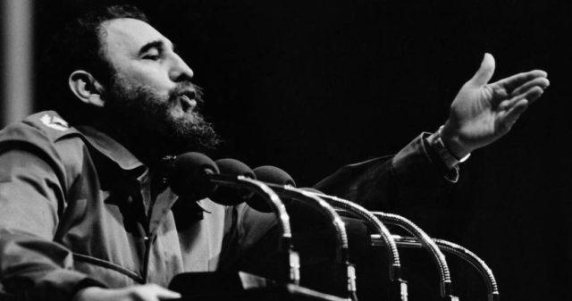 Fidel Castro en el Estadio Nacional de Chile