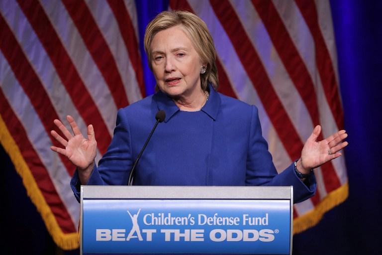 Hillary Clinton mostró su elegancia natural al ir a evento sin nada de maquillaje