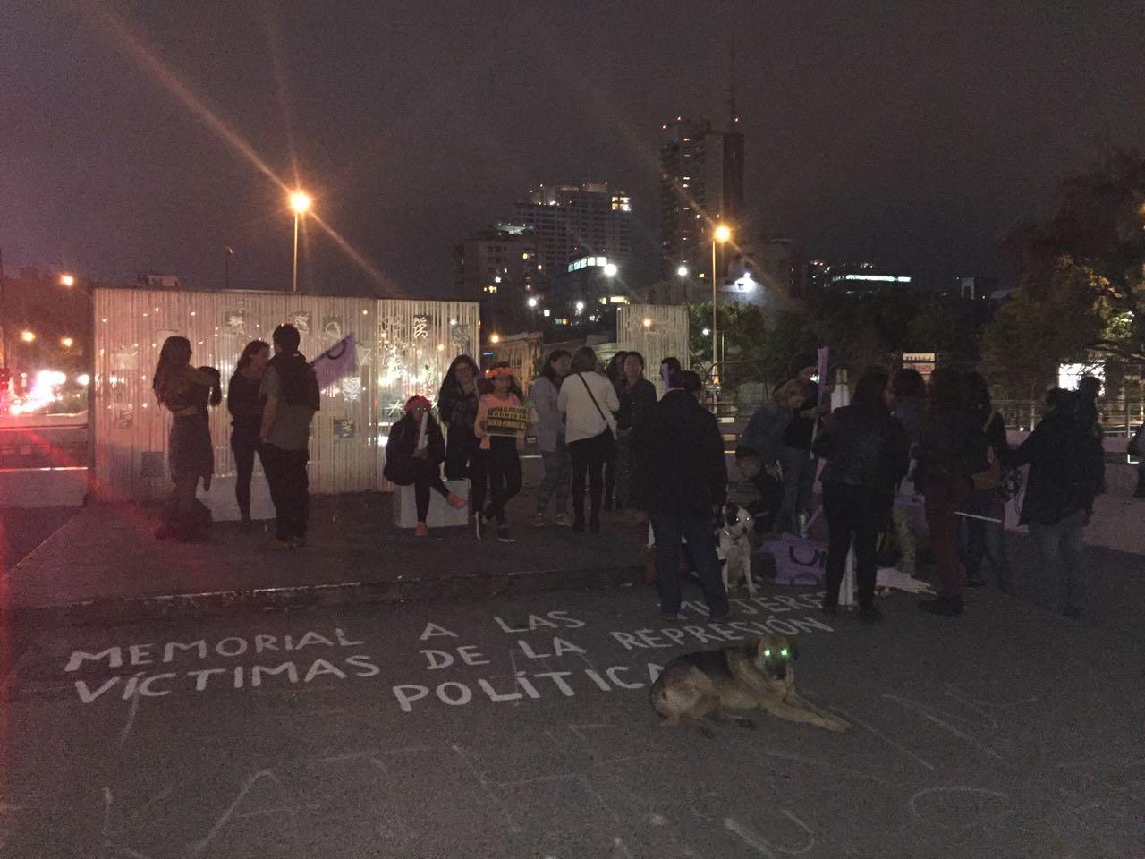 Mujeres marchan en Chile por eliminación de violencia