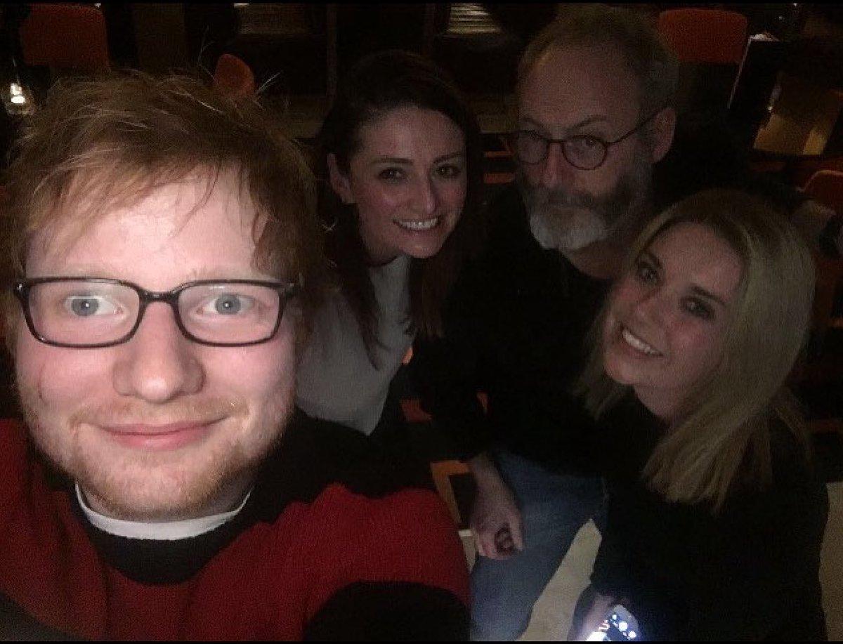 Princesa Beatrice cortó la cara con una espada a Ed Sheeran durante broma con James Blunt